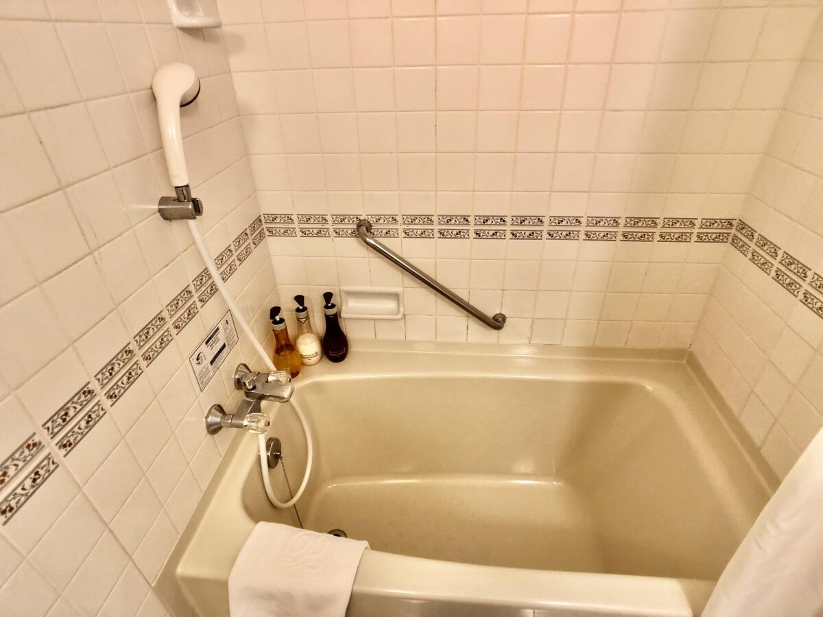 シャワー、風呂